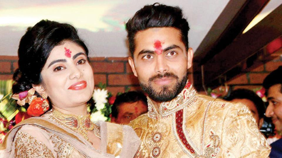 Ravindra Jadeja's wife's car meets with an accident, assaulted by cop.
