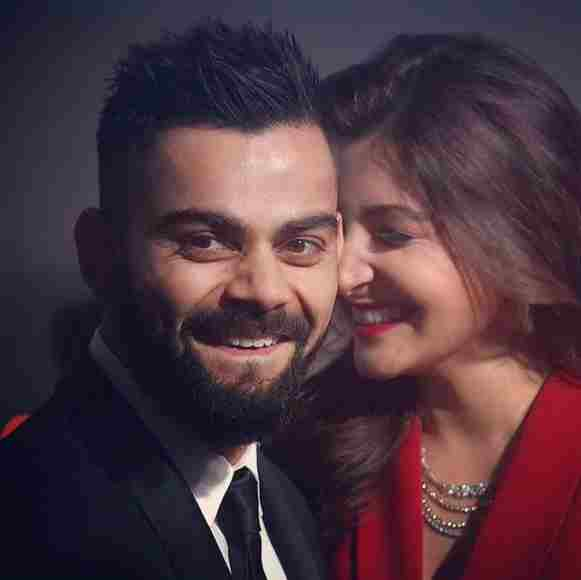 Virat share a video of Anushka Sharma scolding a man for littering on road