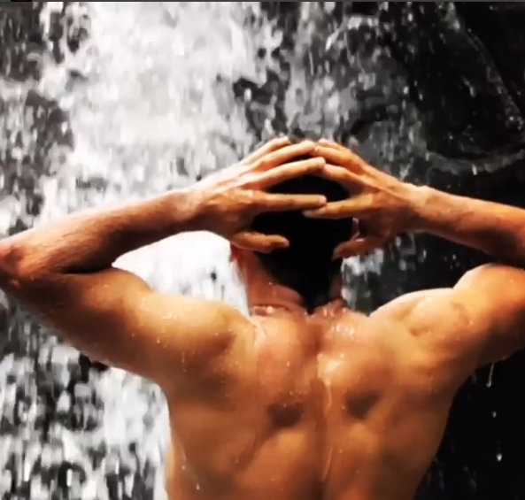 Video: MS Dhoni enjoy his free time bathing in a waterfall
