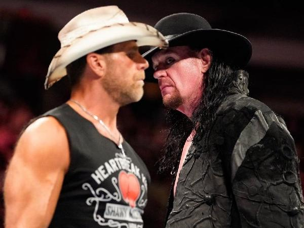 WWE Raw Results 1 October 2018- Shawn Michaels returns