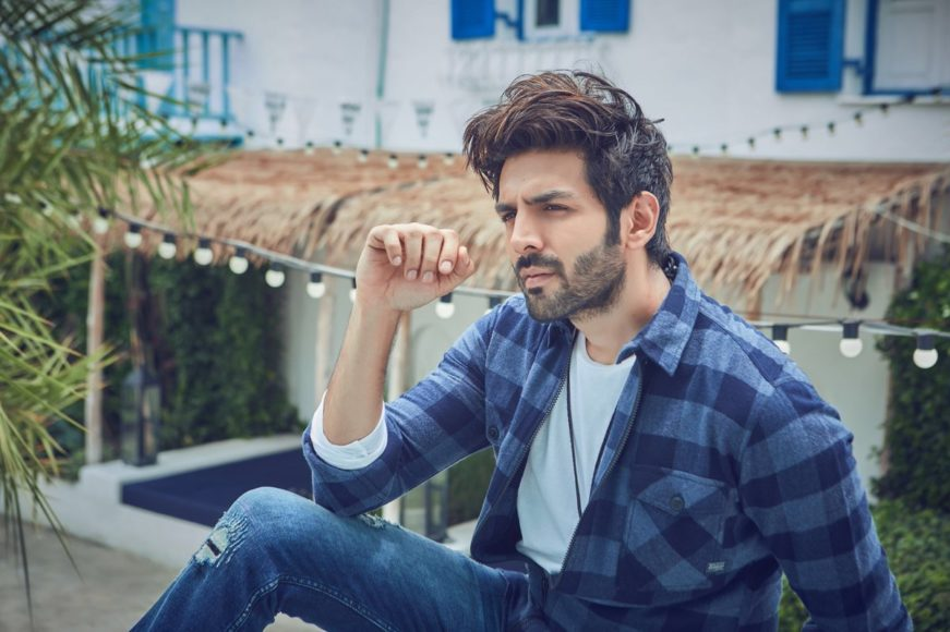 Budding bollywood heart-throb Kartik Aaryan reveals his favourite cricketer