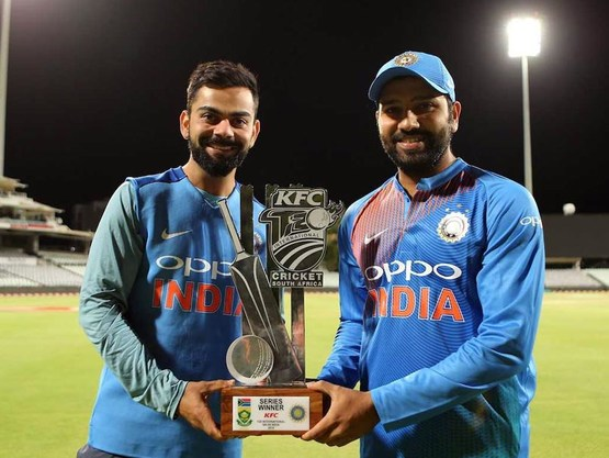 Harbhajan Singh picks the better batsman between Virat Kohli and Rohit Sharma