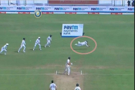 Watch: Wriddhiman Saha takes a one handed stunner to send Faf du Plessis packing