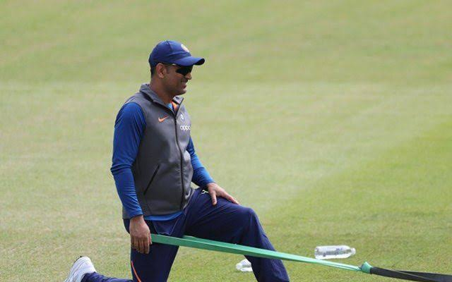 MS Dhoni likely to make his commentary debut in historic day/night test