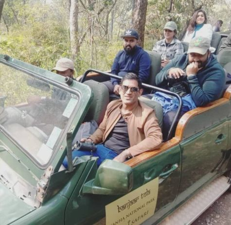 Video: MS Dhoni gets mobbed by the fans on a jungle safari