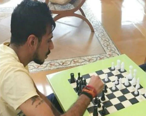 Yuzvendra Chahal and Vishwanathan Anand raise 8.8 Lakh rupees by playing chess
