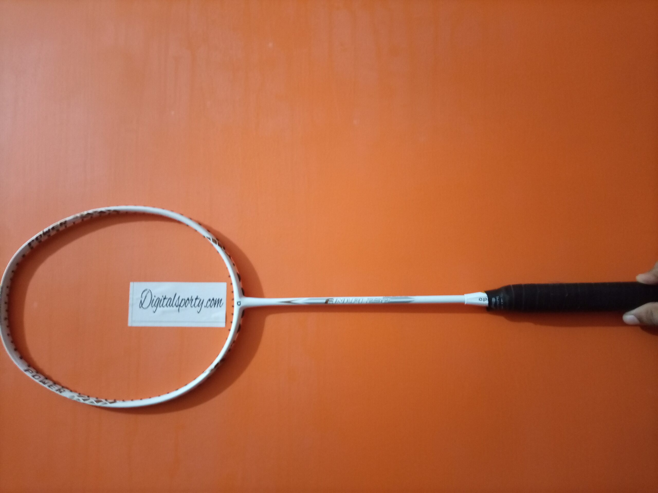 Apacs Finapi 232 Badminton racket review and specifications
